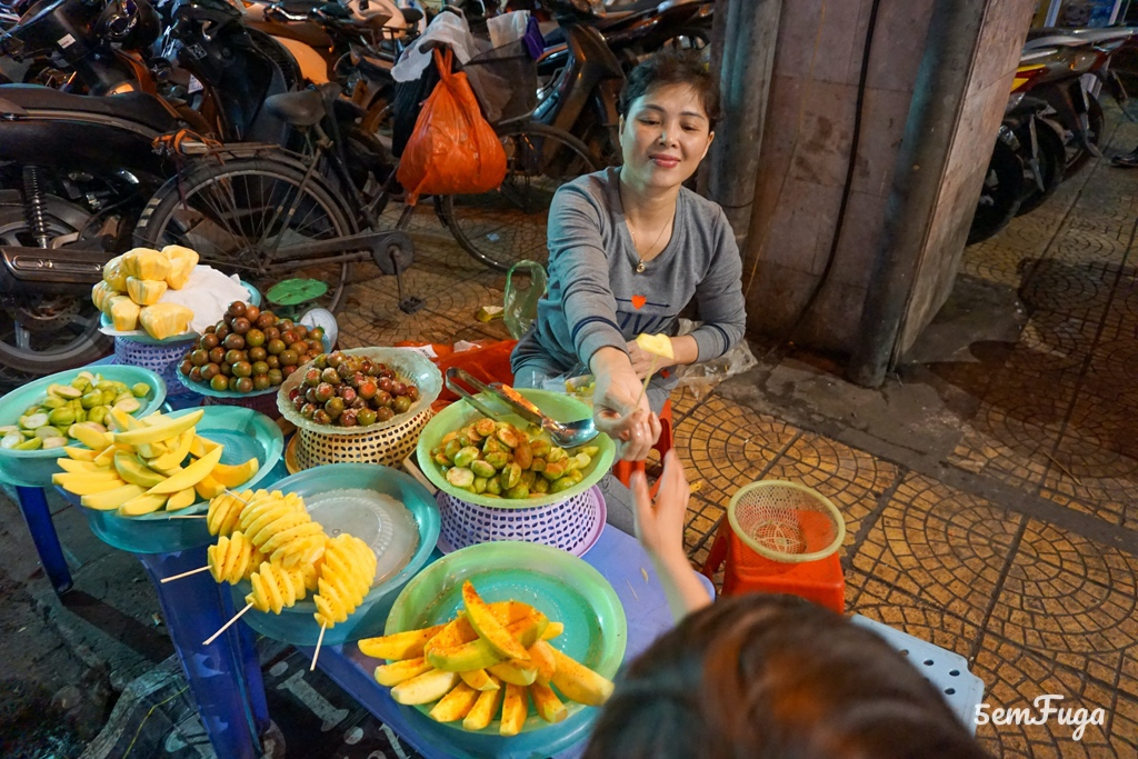 vendedora de fruta no vietname