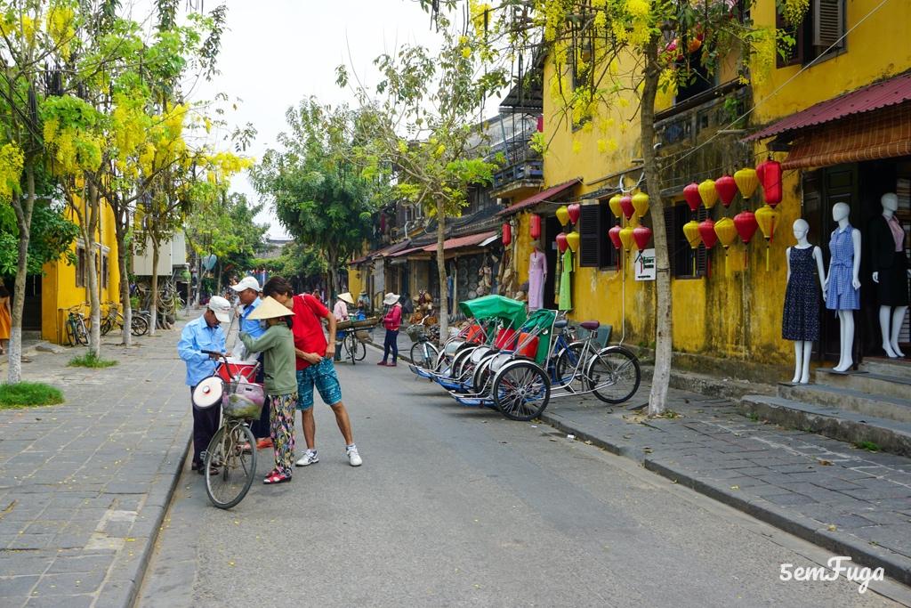 rua típica de Hoi An