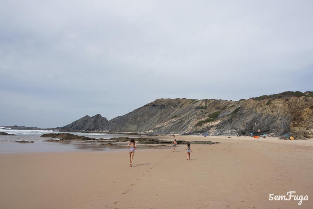 areal da praia da amoreira, algarve