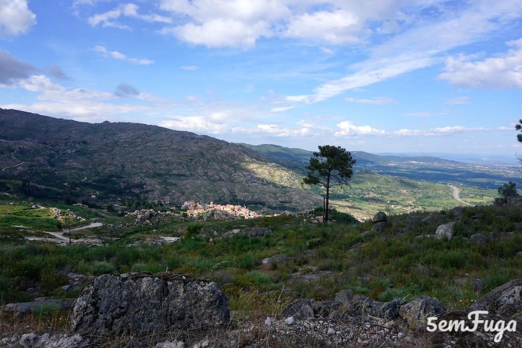 vista da aldeia histórica de castelo novo
