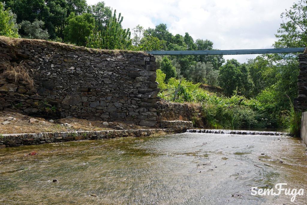 parte baixa da água no parque fluvial do souto da casa